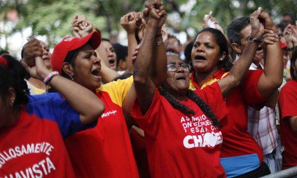 El pueblo venezolano se moviliza en apoyo a las y los diputados bolivarianos