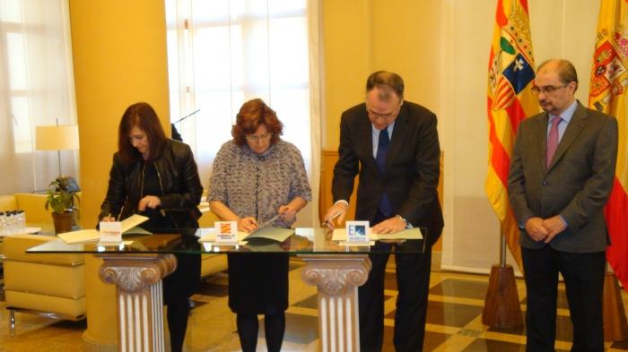 DGA, FAMCP y Endesa rubrican el convenio contra la pobreza energética