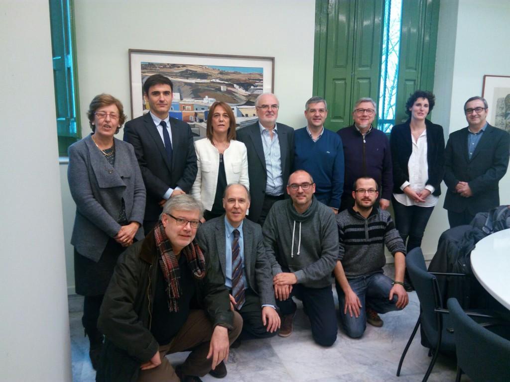 Los partidos políticos ante el catalán y el aragonés: cambios y paradojas