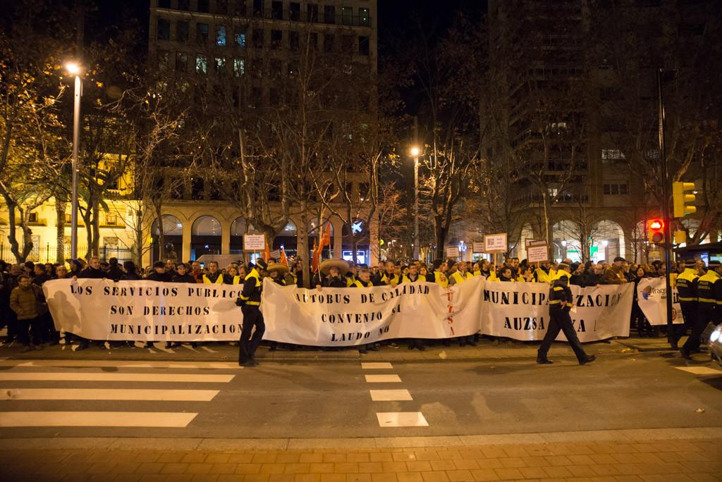 La municipalización de las contratas suma apoyos en Zaragoza