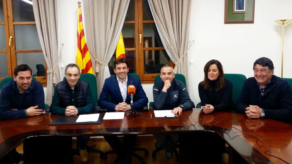 El Ayuntamiento de L'Aínsa – Sobrarbe y FCQ firman un convenio de colaboración