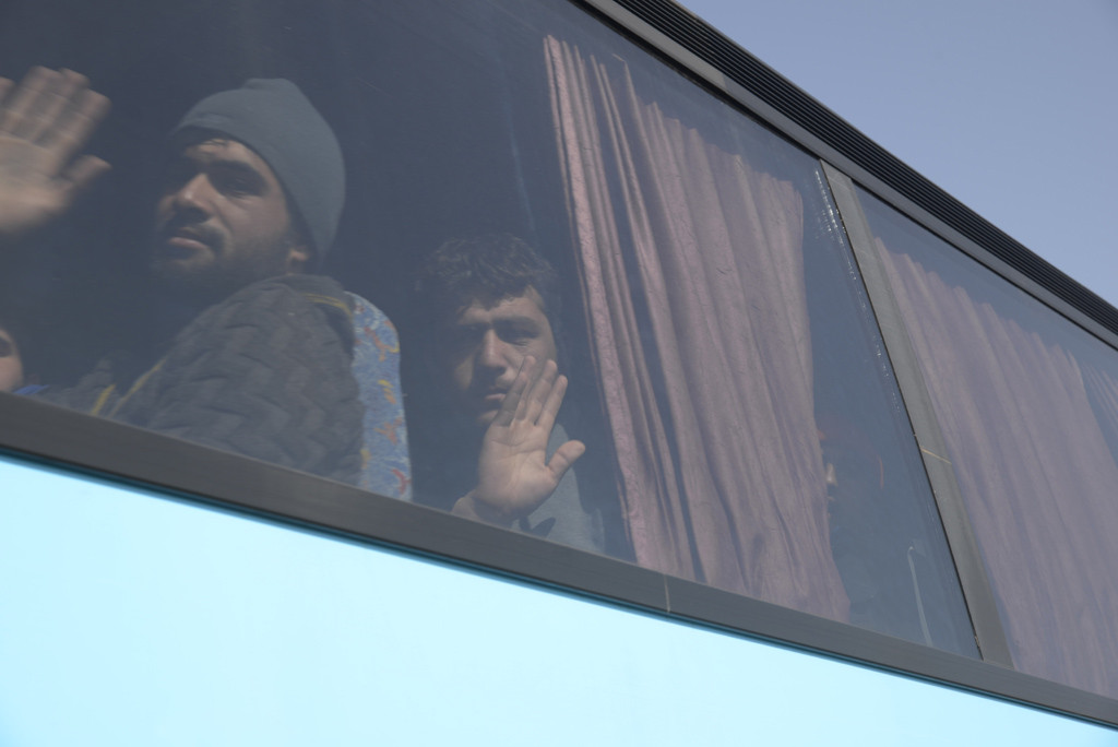 Desalojados los refugiados afganos de Eidomeni