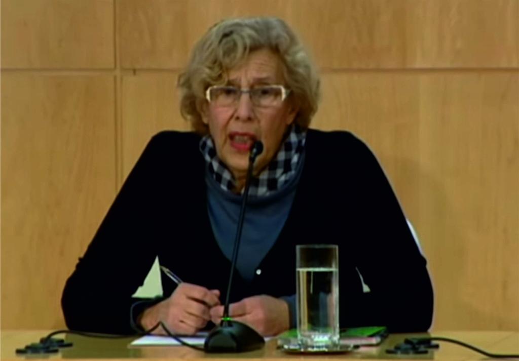 Carmena no descarta la dimisión de Mayer por el caso de los titiriteros