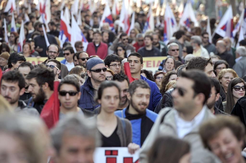 La clase trabajadora paraliza Grecia durante la huelga general contra la reforma de las pensiones
