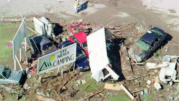 """20 años después de la destrucción del camping """"Las Nieves"""", se vuelve a ocupar el barranco de Arás"""