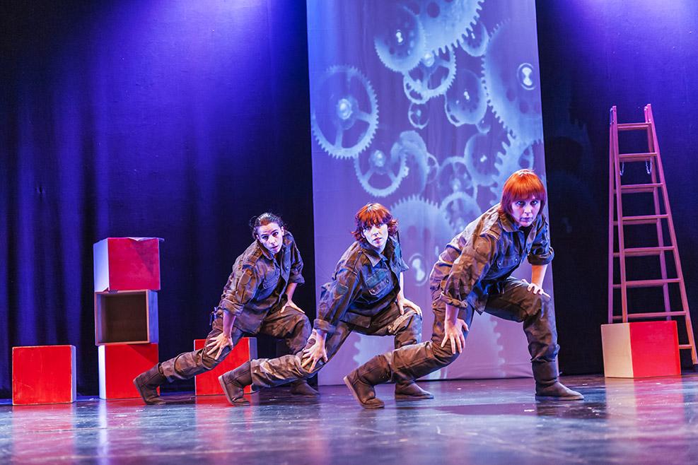 Danza contemporánea para escolares en Angües con Cosecha de invierno