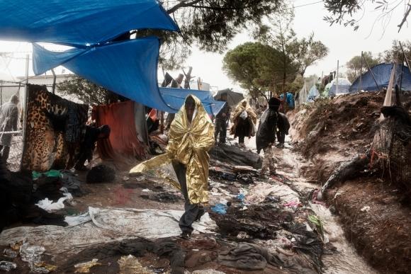 Samianigo se suma a campaña de recogida de calzado para las personas refugiadas de Lesbos