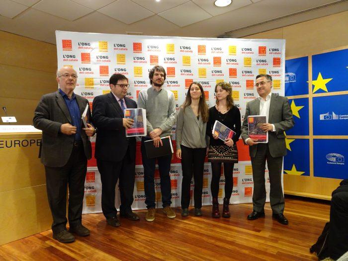 Esquerra Unida trasllada al Parlament Europeu les discriminacions als parlants de català