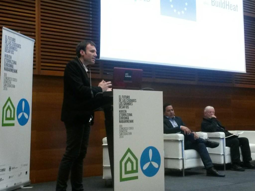 Zaragoza muestra en el CIDEU su experiencia en reducción de consumo energético en vivienda social