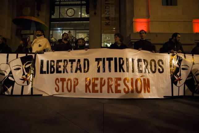 """La Audiencia rebaja las medidas cautelares contra los titiriteros por """"excesivas"""""""