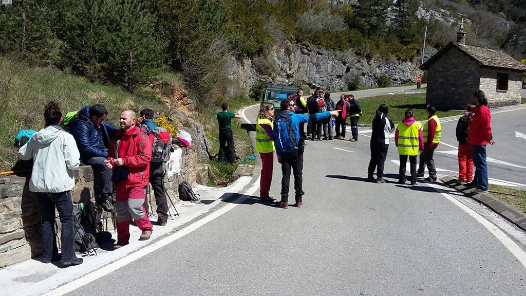 Grupos de personas voluntarias en la búsqueda de Chema. Foto: Timu