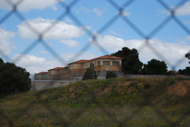 Las asociaciones de Valdefierro reclaman a María Victoria Broto el uso para fines sociales del abandonado centro Buen Pastor