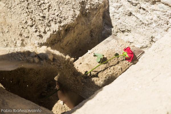 Enterramiento de los posibles restos de Juan Marco. Foto: Pablo Ibáñez (AraInfo)