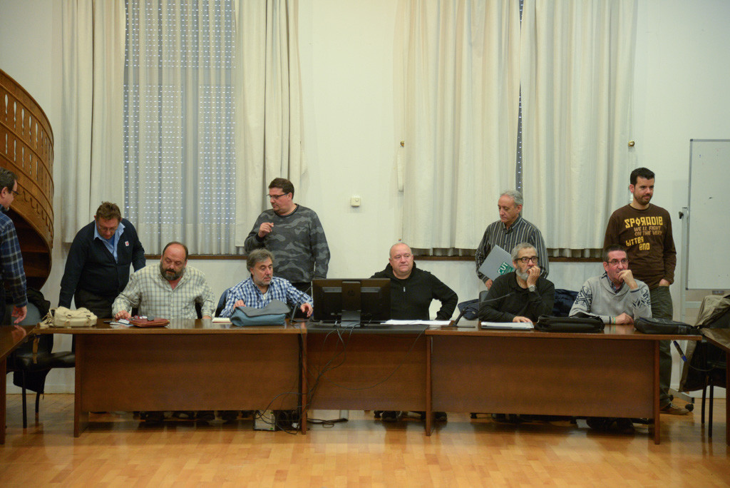 El comité de AUZSA desconvocará los paros durante 15 días si el Ayuntamiento no cobra el billete