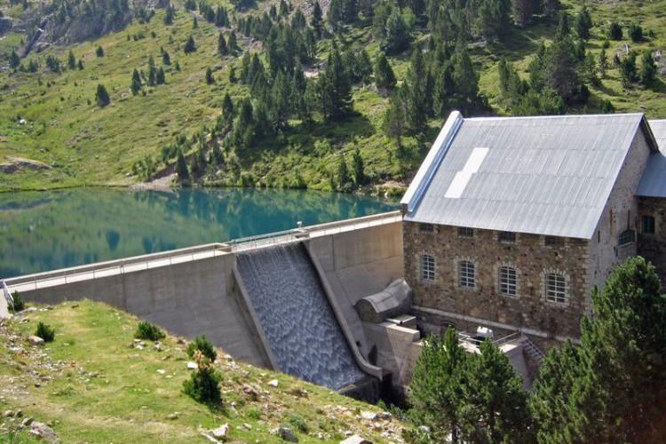 CHA lleva al Senado la reversión de los saltos hidroeléctricos de Urdiceto y Barrosa