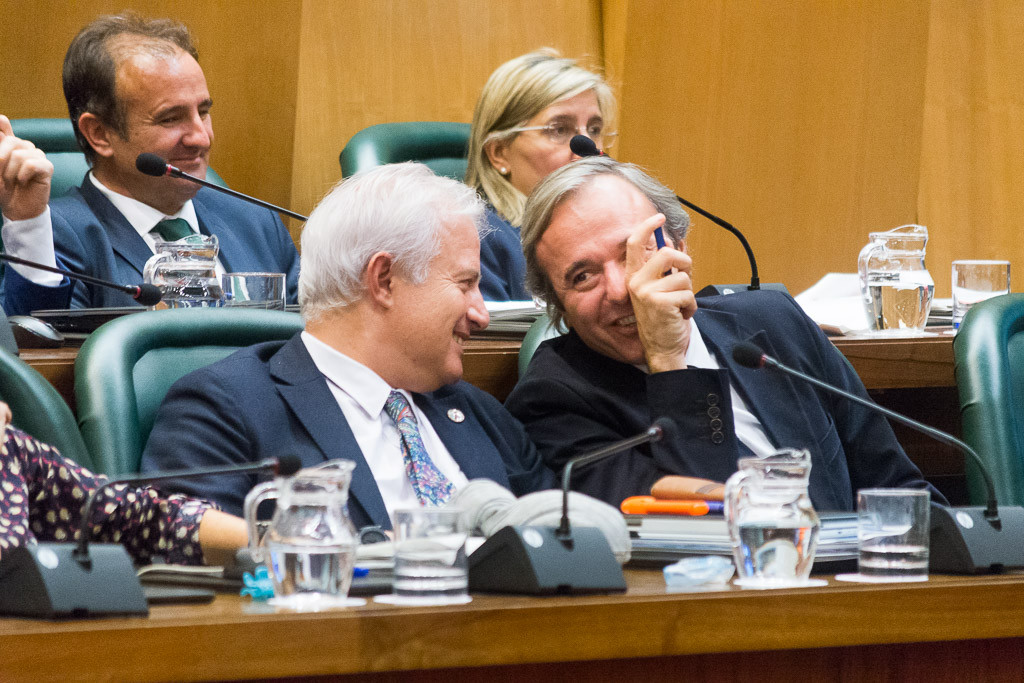 Muñoz interpela a Azcón y Suárez sobre las declaraciones de Cavero acerca del ex-alcalde de Juslibol