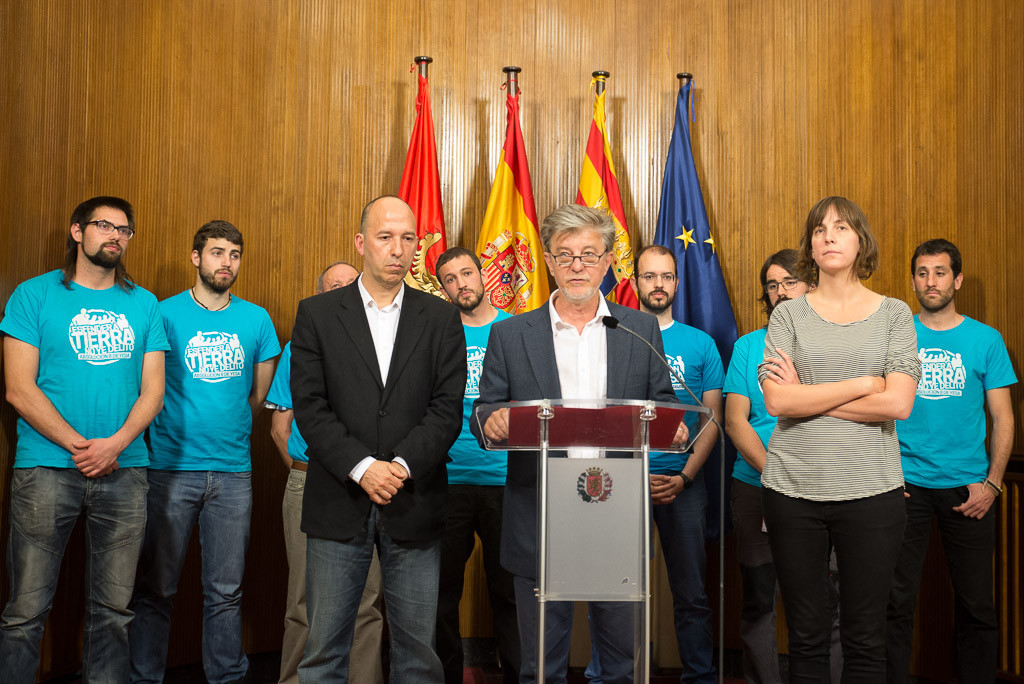 Los 8 de Yesa reciben el apoyo y la solidaridad de Pedro Santisteve