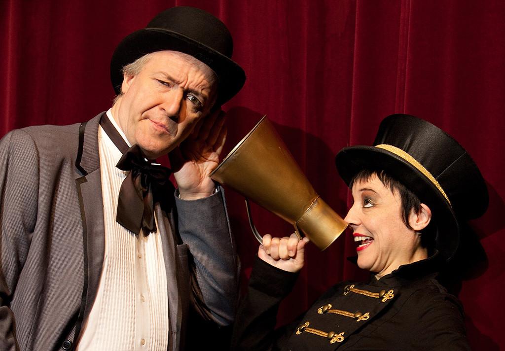 Los ilusionistas argentinos Brando y Silvana acercan su magia teatral a El Sótano Mágico