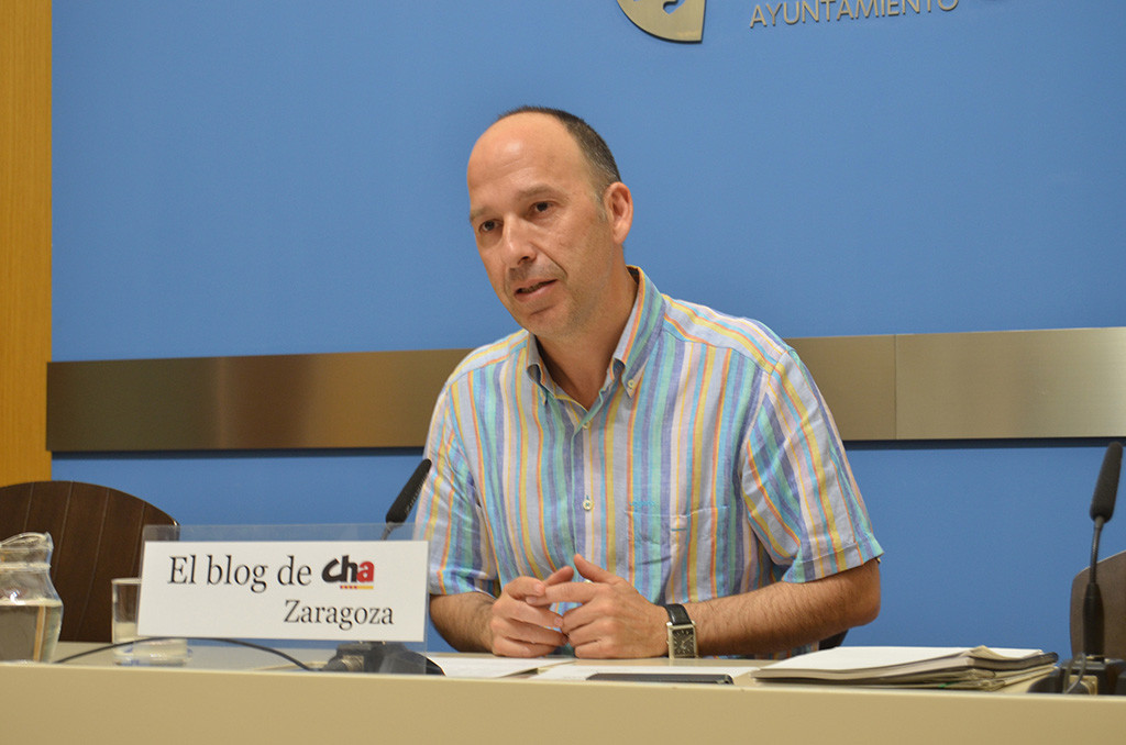 Carmelo Asensio (CHA): «El Ayuntamiento debe ayudar a las familias que se ven abocadas a ocupar viviendas vacías»