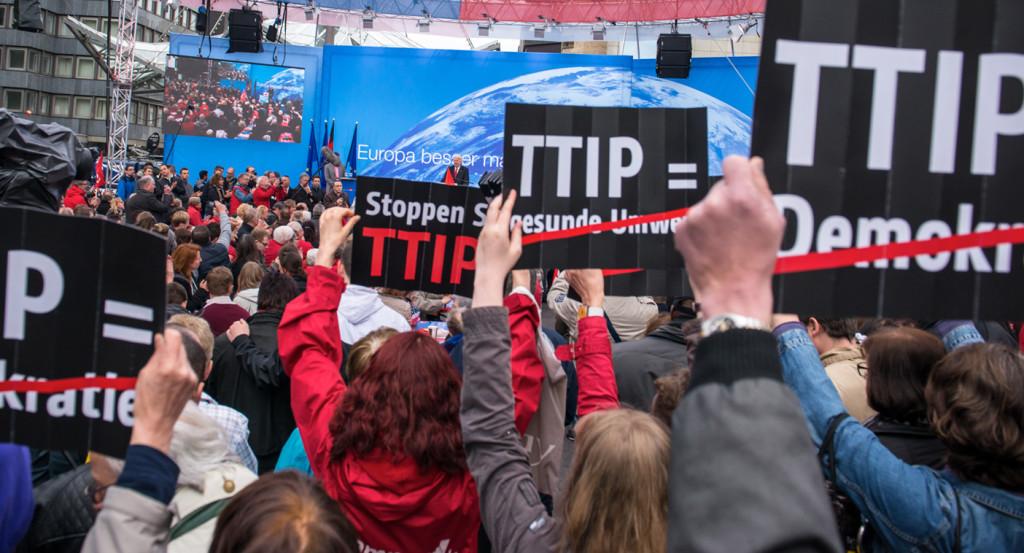 """Exigen la """"paralización inmediata"""" de la negociación del TTIP"""