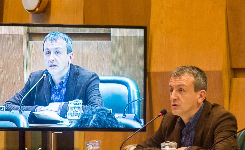 Rivarés en un Pleno municipal. Foto: Pablo Ibáñez (AraInfo)