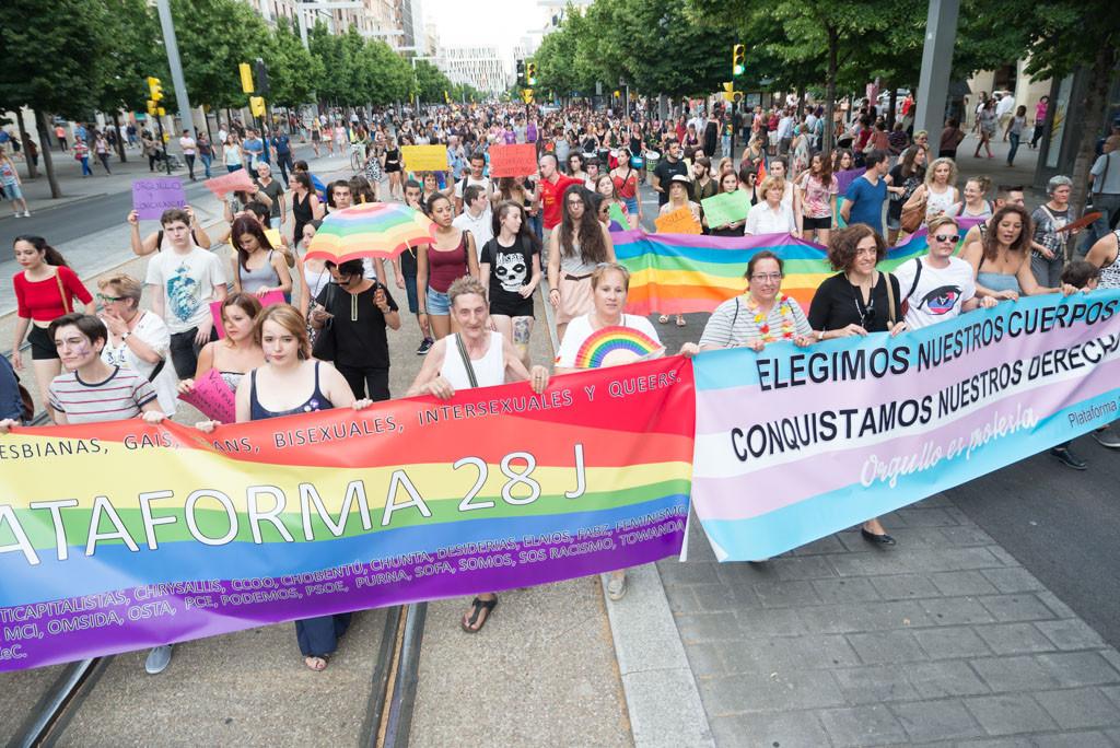 Aragón sale a la calle para reivindicar los derechos LGBTIQ+
