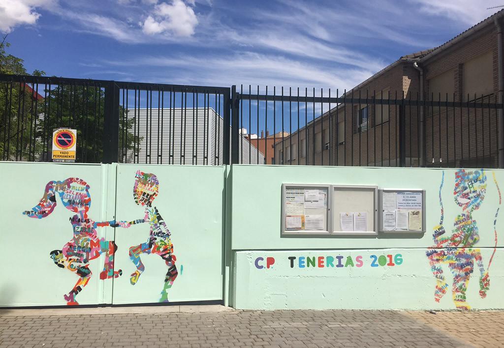 Arte urbano de las y los alumnos del CEIP Tenerías para decorar la fachada de su centro