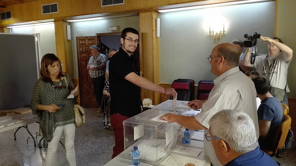 Daniel Palomo anima a que la gente «salga en masa» para «llenar las urnas de votos de dignidad»