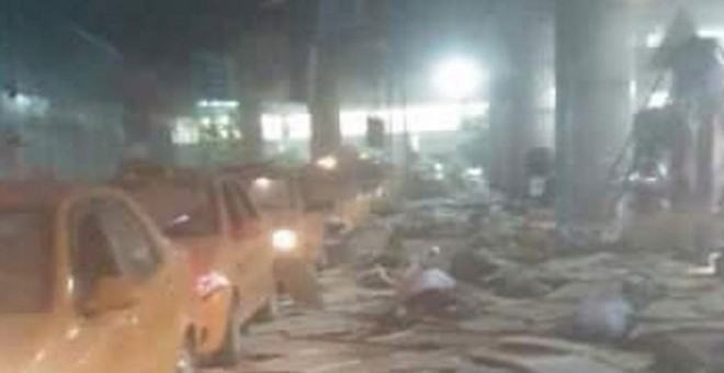 Al menos 41 muertos y 239 heridos en un ataque armado contra el mayor aeropuerto de Estambul