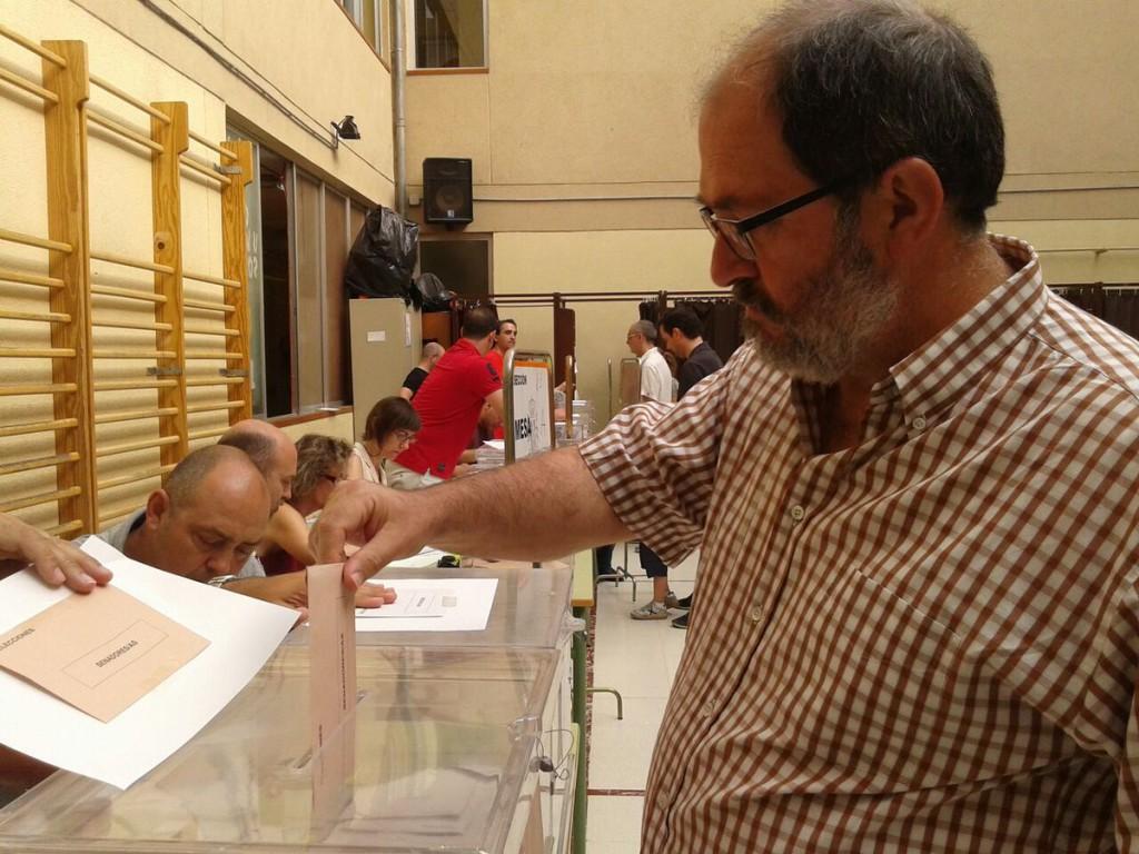 """Luis Clarimón: """"Hoy es un día para poner una gran sonrisa y votar sin miedo y con esperanza"""""""