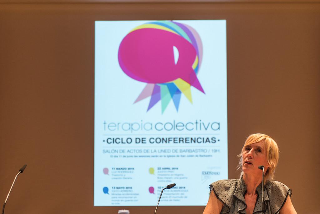 Patricia Almarcegui concluye con la poesía iraní el ciclo Terapia Colectiva