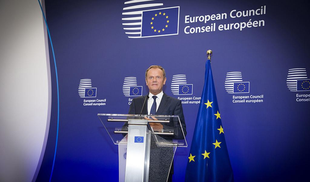 """La UE exige a Cameron iniciar las negociaciones del Brexit """"cuanto antes"""""""