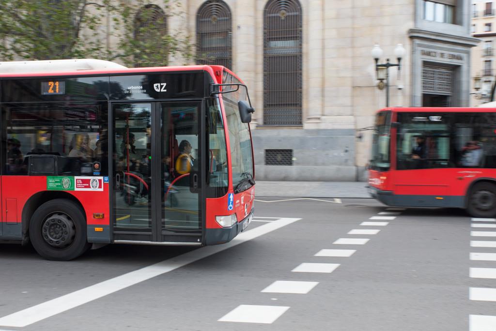 Hasta 19 conductores no pudieron prestar el servicio debido a la falta de autobuses reparados en Zaragoza