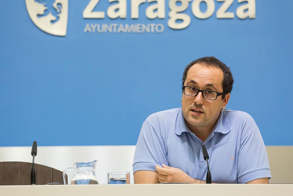 El Ayuntamiento solicita a FCC la contratación de 12 trabajadores para atender los parques y jardines de los barrios del sur de Zaragoza