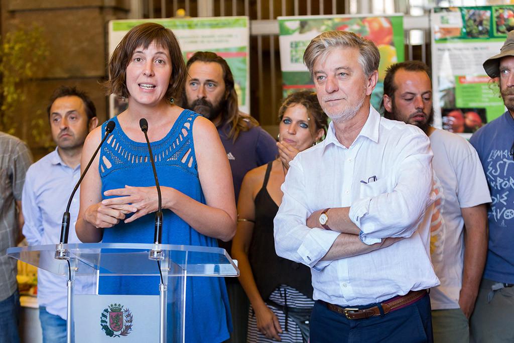 Artigas y Santisteve durante la presentación de la Red de Huertas Agroecológicas de Zaragoza. Foto: Miguel Gracia García (AZ)