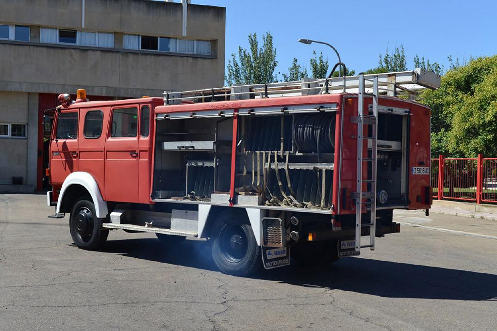 El Ayuntamiento de Zaragoza dona un camión de bomberos a los campamentos de refugiados del Sahara