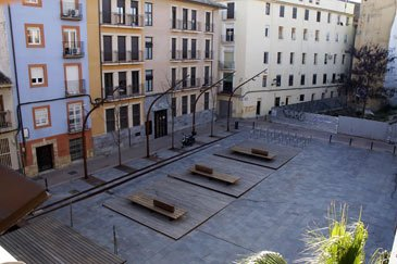 La AV Casco Viejo denuncia la saturación de actividades en el entorno de la calle Las Armas