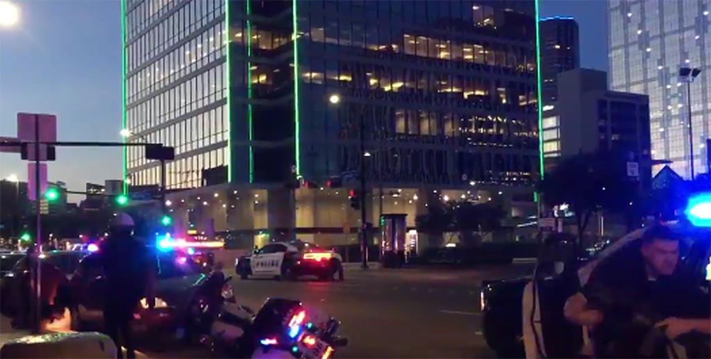 Cinco agentes muertos y siete heridos en una protesta contra la violencia policial en Dallas