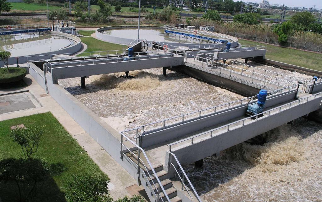 La municipalización de la depuradora de l'Almozara ahorraría más de 500.000 euros anuales a Zaragoza