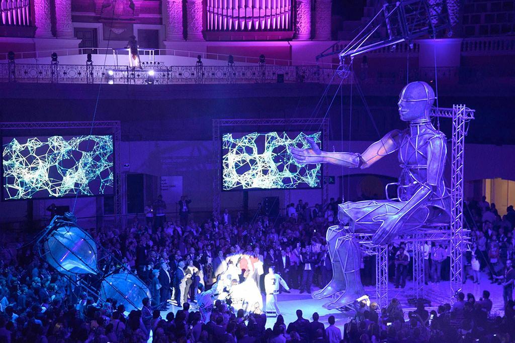 La Fura Dels Baus trae a Etopia Centro de Arte y Tecnología su proyecto Eu Collective Plays