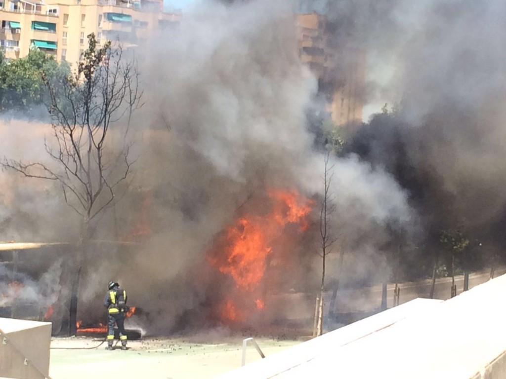 El Ayuntamiento de Zaragoza recibe el plan de choque de mantenimiento de autobuses de AUZSA