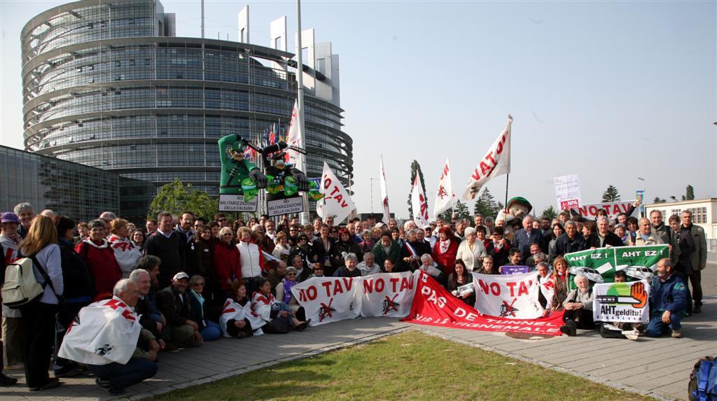 La Red de Apoyo Mutuo participa en el 6º Foro Internacional contra los Grandes Proyectos Inútiles e Impuestos