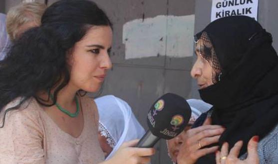 La periodista Zehra Dogan continúa en prisión a la espera de juicio