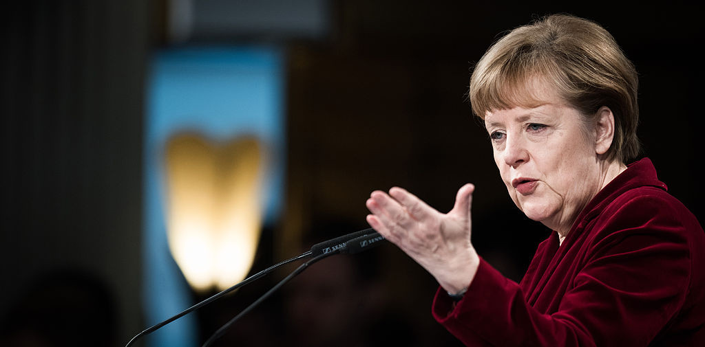 """El bloque conservador de Merkel y el SPD cierran un acuerdo para una nueva """"gran coalición"""" de gobierno"""