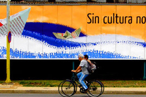 S'ubre o plazo ta colaborar con o libro 'Cuba en Vallas'