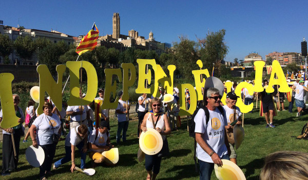 La Diada en Lleida antes de empezar la manifestación. Foto: @assemblea