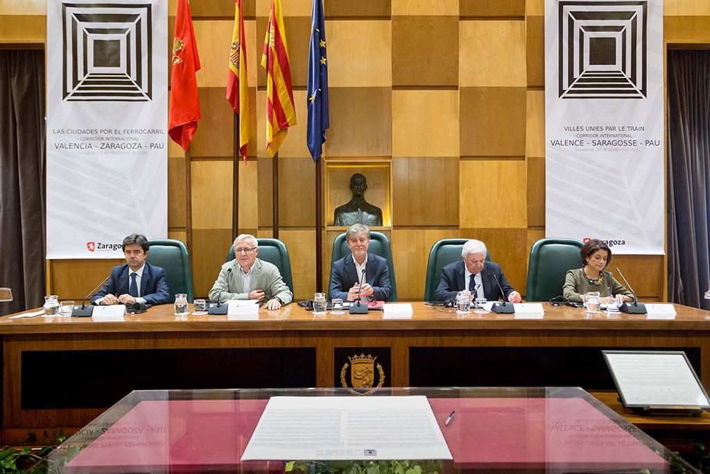 Las ciudades se unen en apoyo a la puesta en marcha del corredor ferroviario València-Zaragoza-Pau
