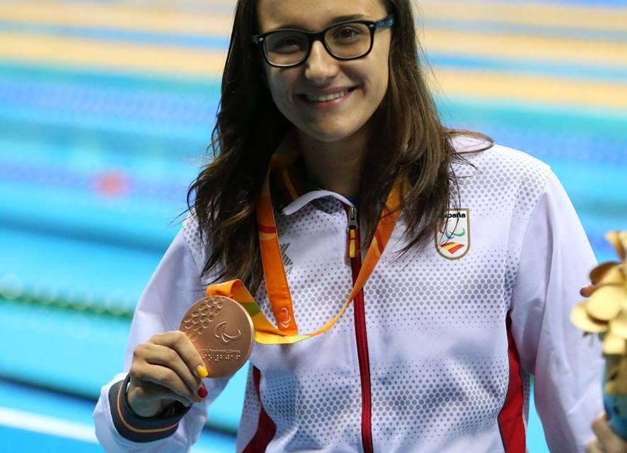 La zaragozana María Delgado, bronce en los 100 metros espalda en Río