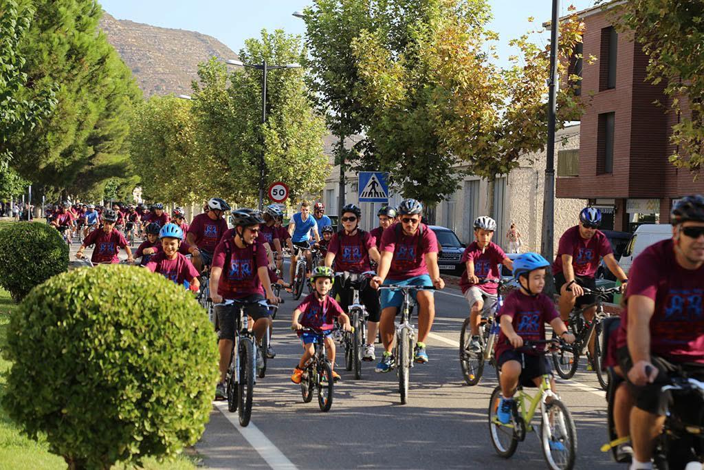 430 personas participan en el XX Día de la Bici de Mequinensa