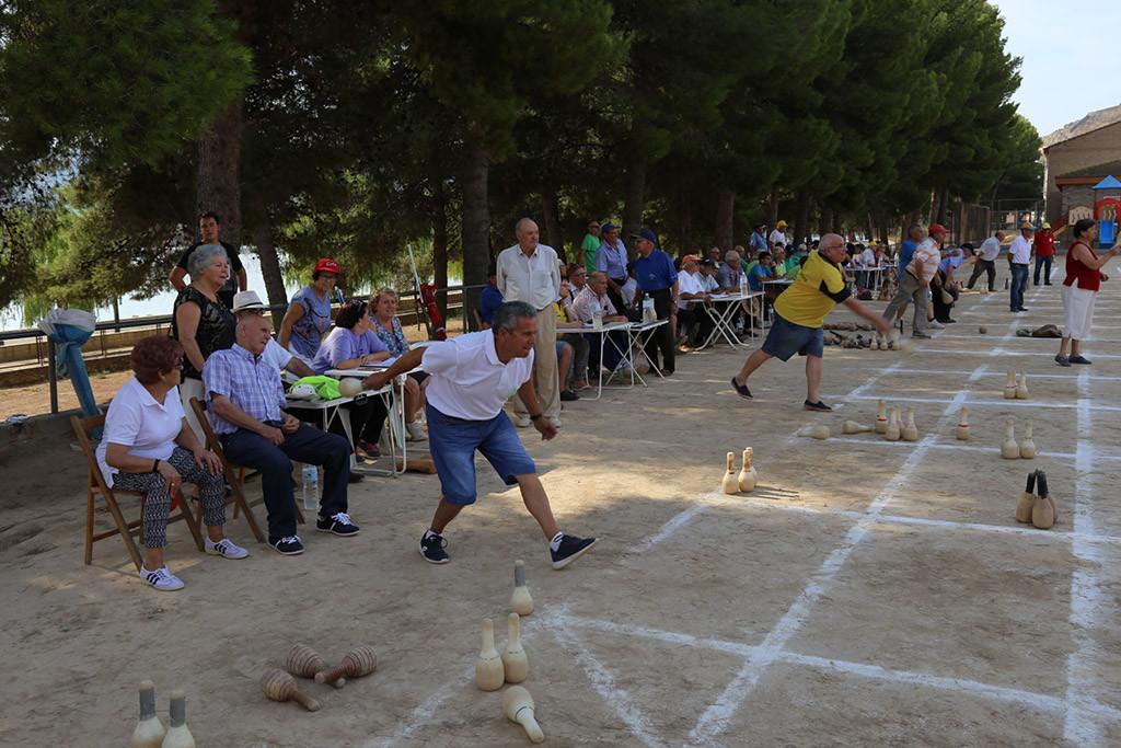 El XXI Encuentro de Petanca de Mequinensa contará con participantes de 17 localidades de Catalunya y Aragón
